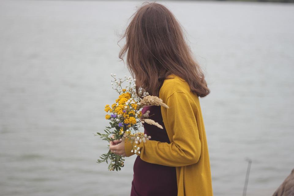 Hoy traigo flores a mi madre